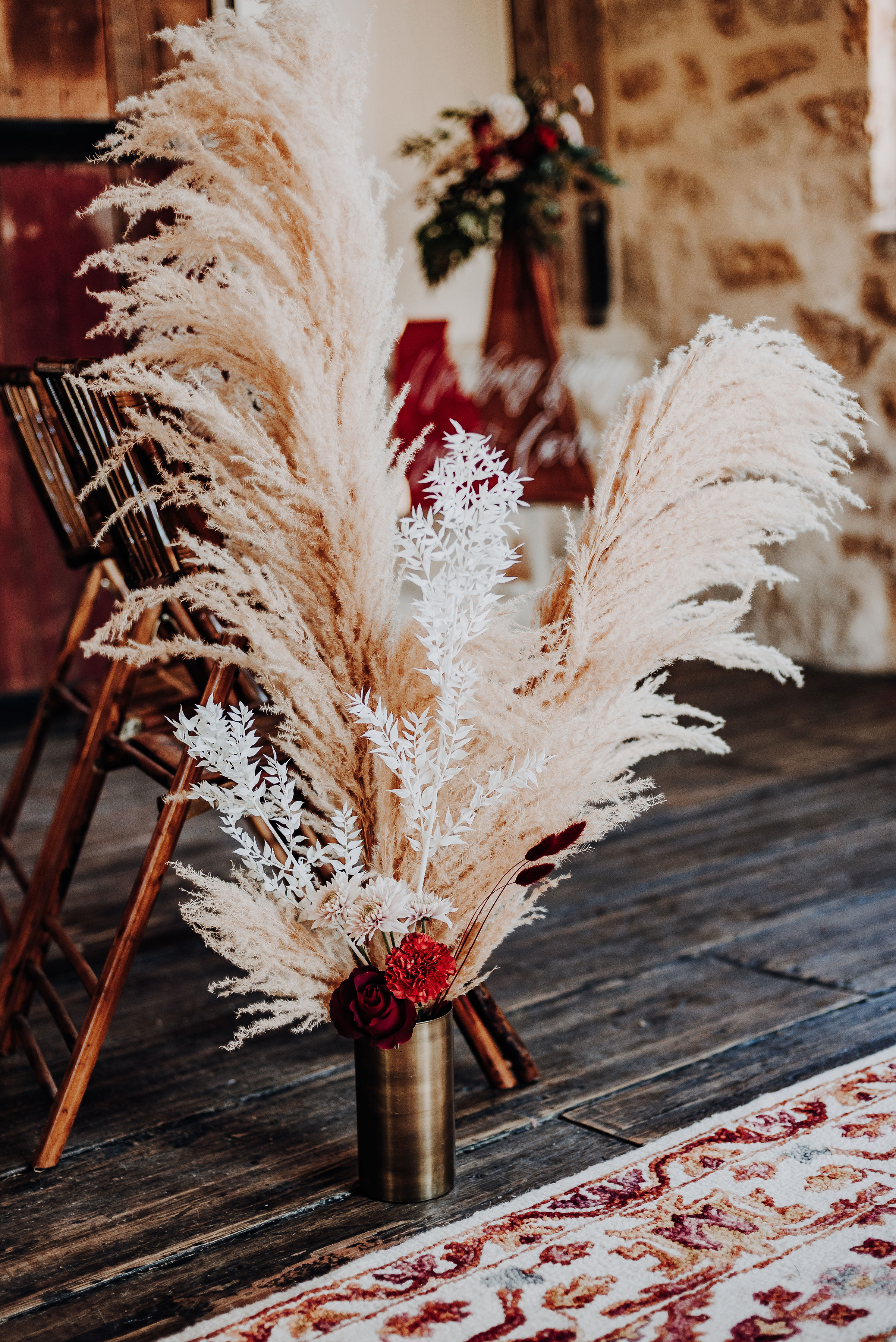 Pampas aisle markers
