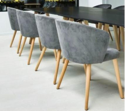 chaises en bois pour restaurant