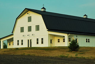 White wedding barn venue near Kansas City