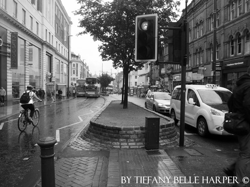 The Traffic Light – Leeds – The Headrow by Tiffany Belle Harper