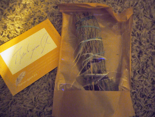 Smudging Wand #Lavender American #Cedar all the way from Hamburg #Holistic #Cleansing