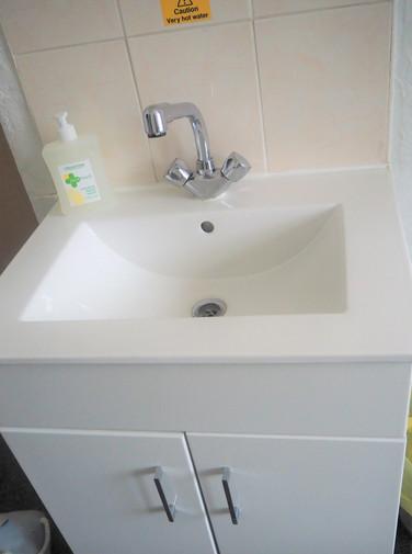 Room 4 Vanity Basin.JPG