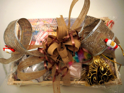 Festive RAFFLE for Melissa Smiles. You could be a lucky winner! Please kindly get involved for The S