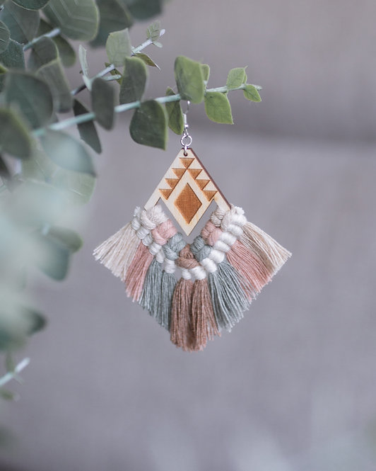 designbyhtc  |  MACRAME EARRINGS DUE RAINBOW