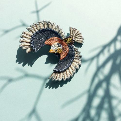 ARRO | FLYING BIRD GREY EAR CUFF