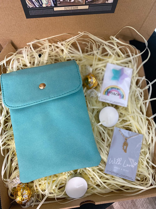 Turquoise Bag & Necklace Gift Box