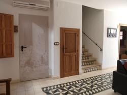 puerta despensa en pasillo