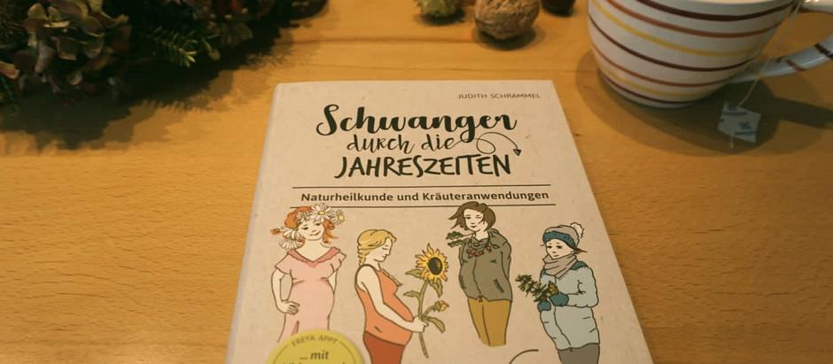 """Buchrezension """"Schwanger durch die Jahreszeiten"""" von Judith Schrammel"""