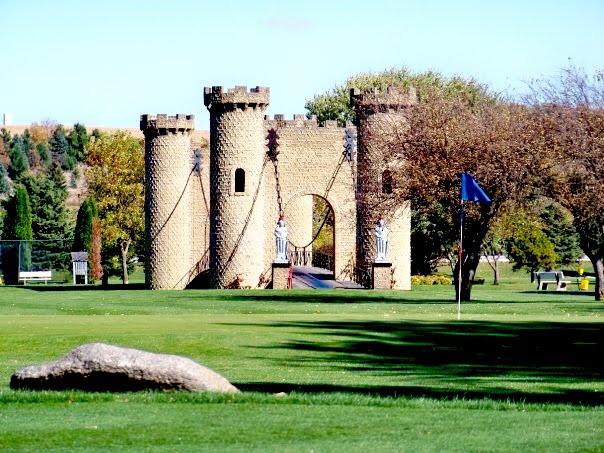 Ida Grove, golf and country club, castle, drawbridge