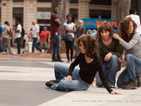 """Intervenção Urbana """"As três Graças"""" do Núcleo Mirada na Praça da Sé em fotos!"""