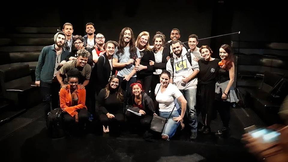 Turma 38 do Curso Técnico de Ator do Senac Santana veio em peso assistir ao Espetáculo MÃE no Teatro de Arena