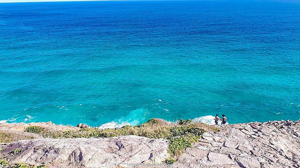 Trilha até a Praia Brava