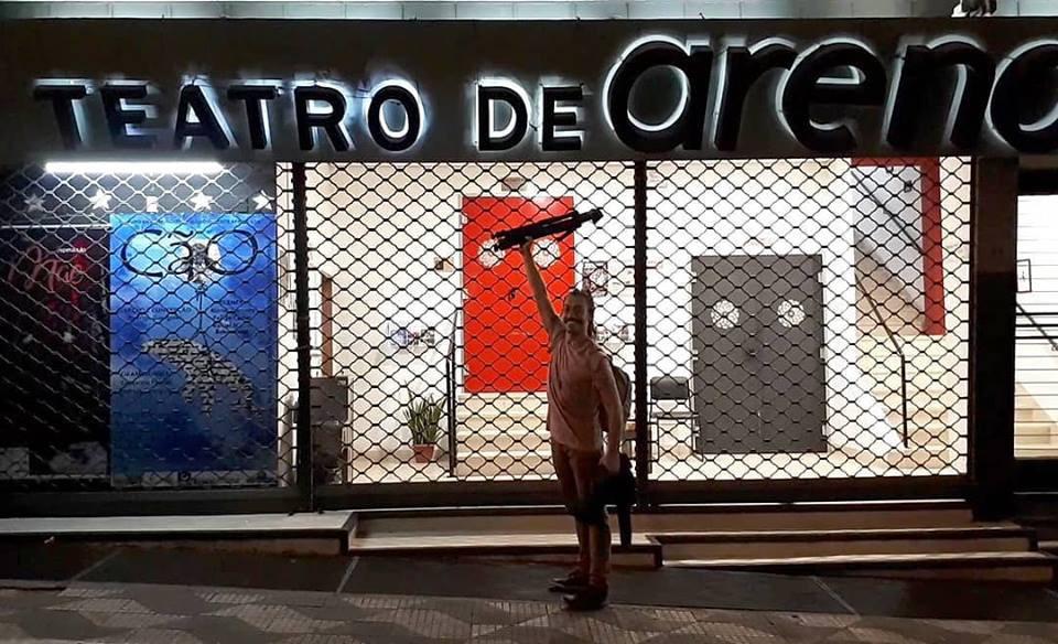 Ator Roni Diniz em Temporada no Teatro de Arena com o Espetáculo MÃE