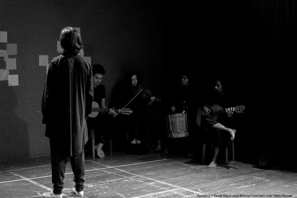 Espera do público peça #SomosTodosOtelo Foto: Heitor Mendes