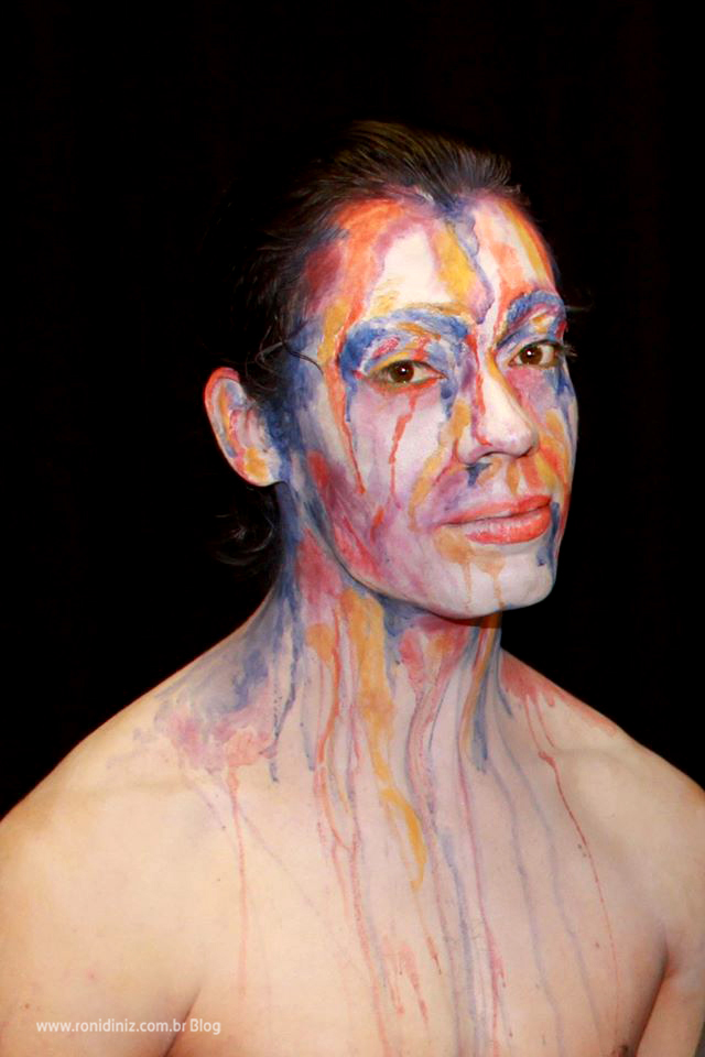 001 Maquiagem de Cores Sangrando