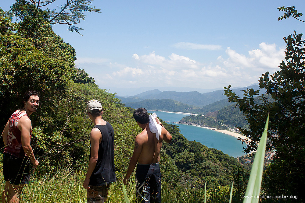 Trilha para a Praia Brava de Boiçucanga
