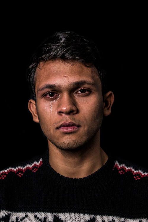 PROJETO: What 'Real' Men Cry Like - Aditya - BLOG Aos Homens por Roni Diniz