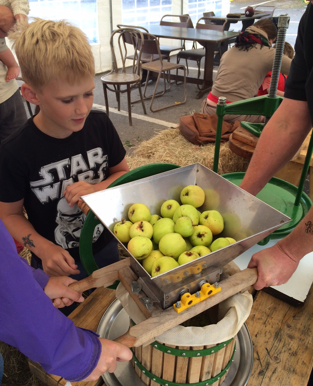 Apple pressing 3