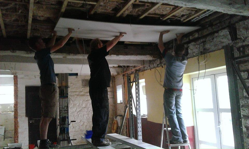 How many men to put up a ceiling?