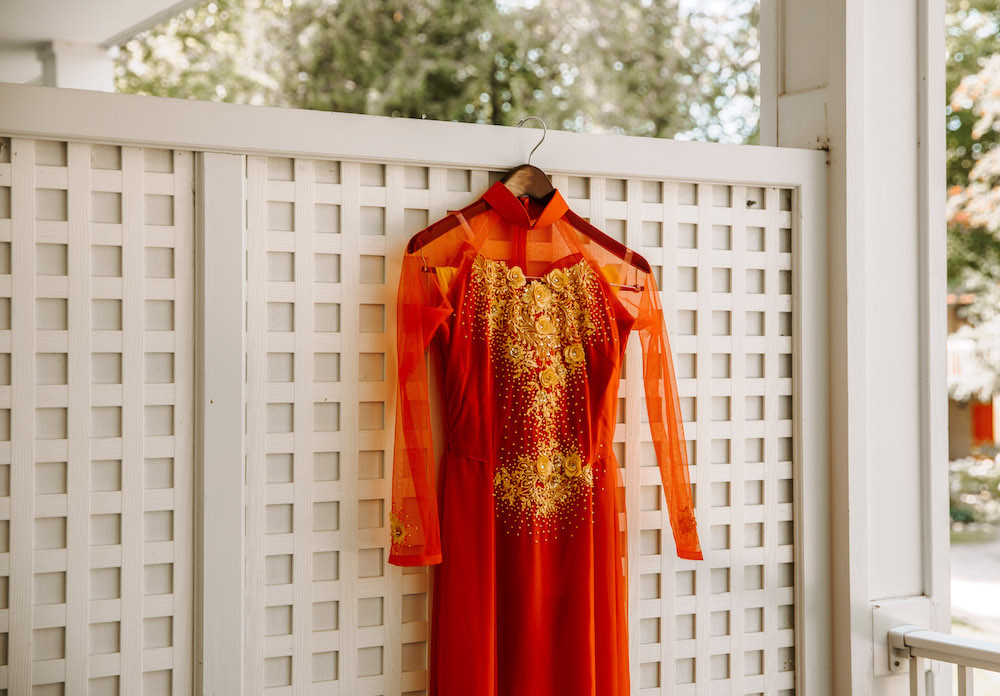 Vietnamese tea ceremony dress.