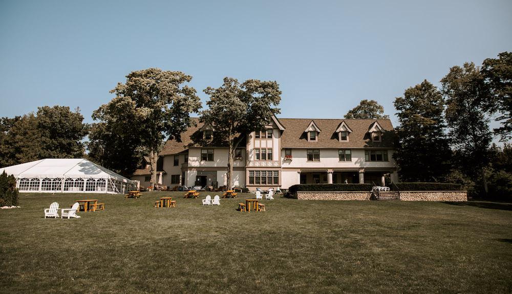 The Inn at Stonecliffe wedding venue in Mackinac Island, Michigan.
