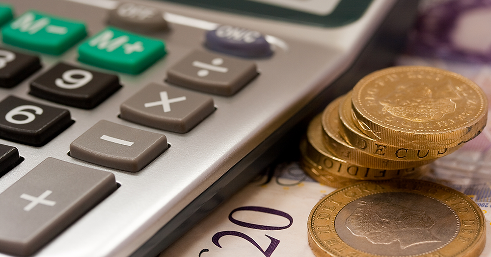 How to work out your mortgage balance - Calculator and British money