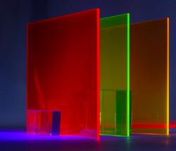 Цветное прозрачное стекло 750x642