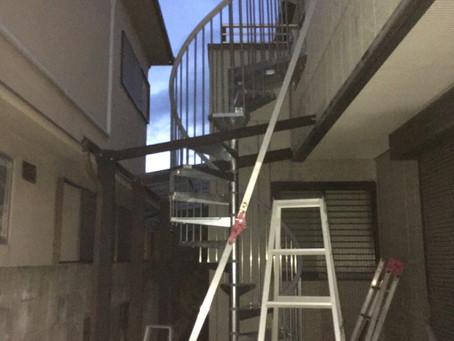 らせん階段造作