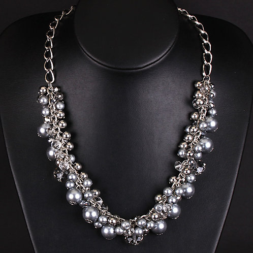 Water Pearl Droplet Necklace