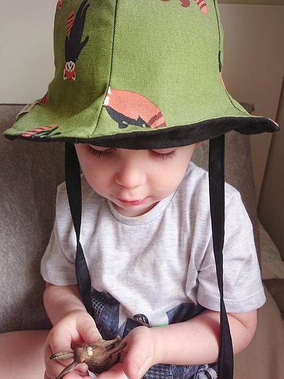 Raccoon Bucket Hat+ Shorts
