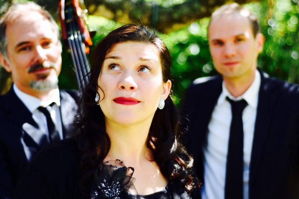 Simone Bastani Trio looking up