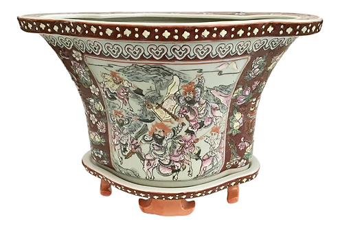 Rose Medallion Cachepot With Plate Base