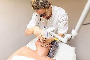 Laser CO2 Ultrapulse Lumenis médecine esthétique dermatologue Biarritz
