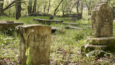 Abandoned graveyard Mississippi, USA, 2019