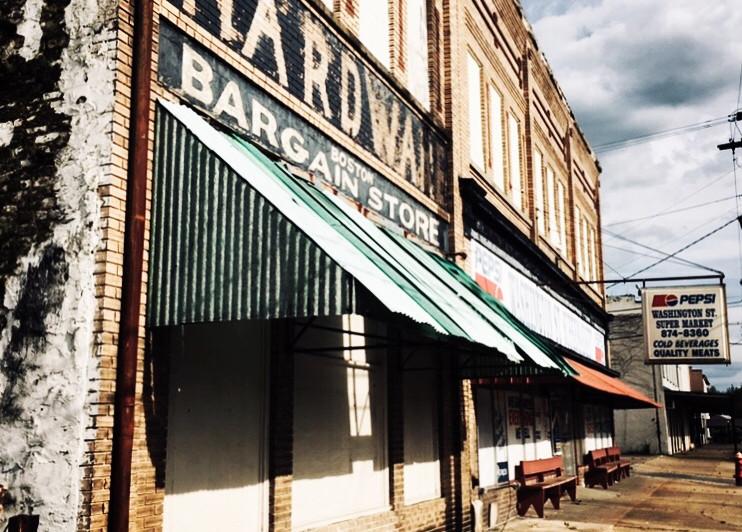 abandoned store in Selma, Alabama, USA, 2019