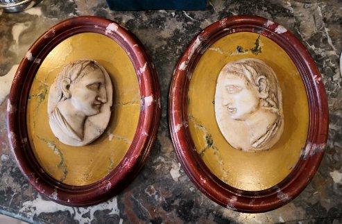 Paire de profils d'empereurs romains