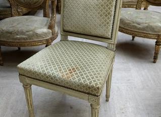 Une chaise pour Calonne et Necker