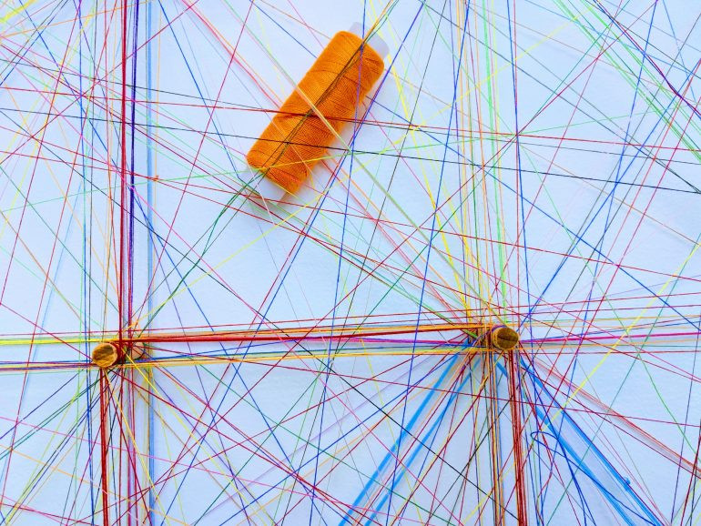 thread overlaps and crosses in geometric patterns