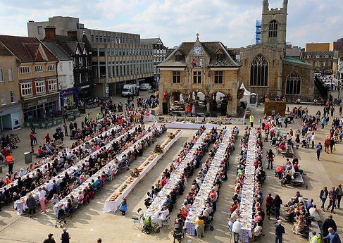 70 x 7 The Meal in Cathedral Square Pete