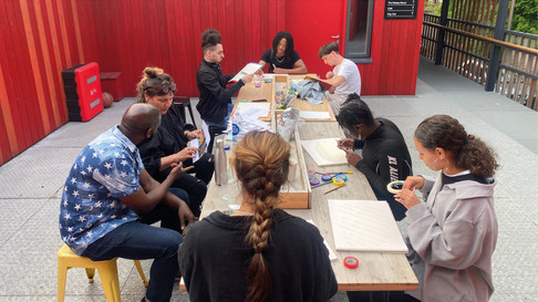 Fashion tutors and ReGo project participants in one creative session.