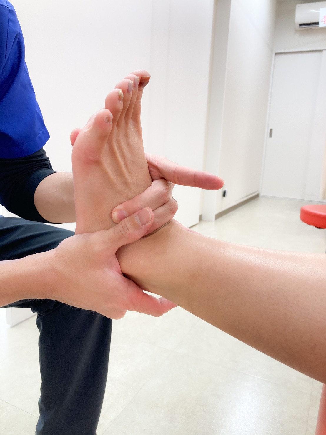 足部の手技療法とエクササイズ