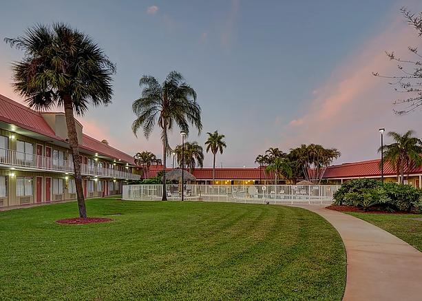The Vero Beach Inn & Suites