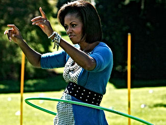 michelle_obama_exercise_hoola_hoop.jpg