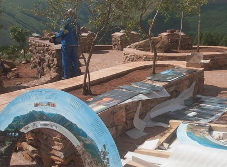 Barberton Makhonjwa Geotrail Panels Installation