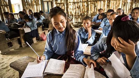 csm_Sinnvoll-Schenken-Nepal-Leseecke__2_