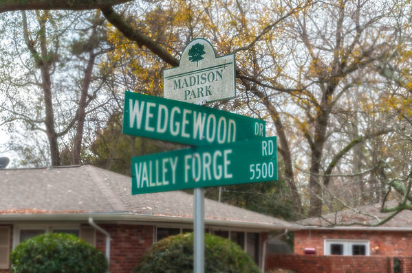 Madison Park Street Sign.jpg