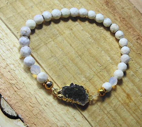 Curvy White Agate Stalactite Bracelet