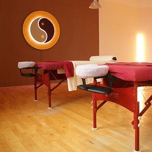 massage-750313_1920_edited.jpg
