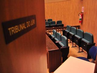 Teses defensivas aparentemente conflitantes no Plenário de Júri