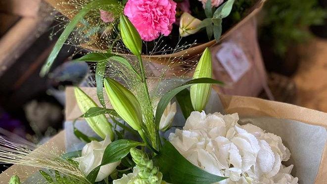 Aqua-PackGift Bouquets